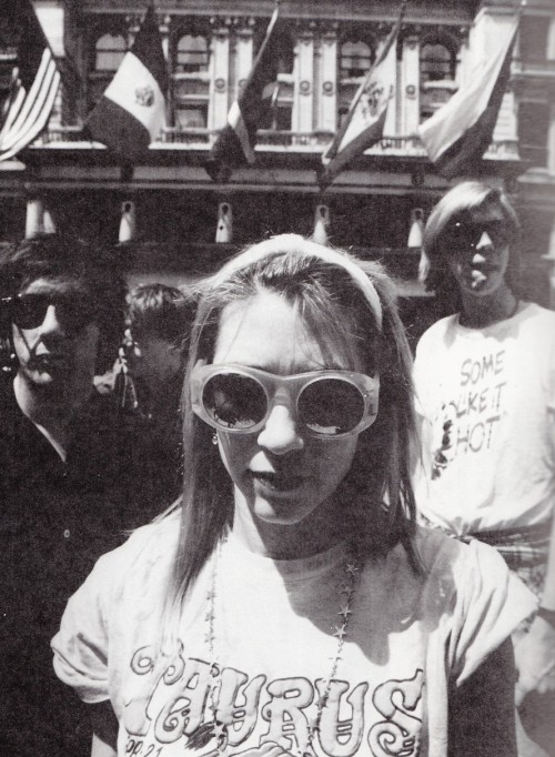 redguitarrr:  Sonic Youth 1990