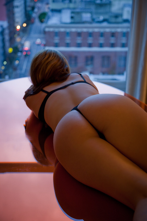 thebrooklynzoo:  my view is better