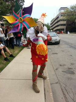 elevenwackyzebras:  Surprise Fiddlesticks from LoL at Acen2013