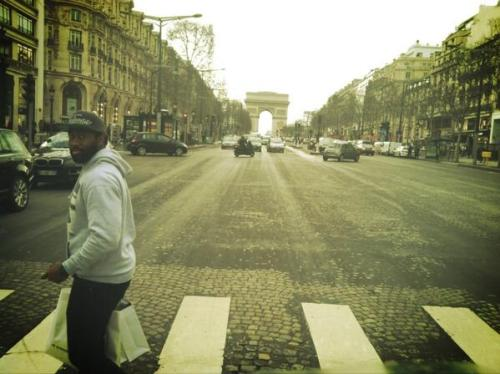 Jets CB Darrelle Revis is currently in Paris (via @MMehtaNYDN - @JohnGeiger_ )