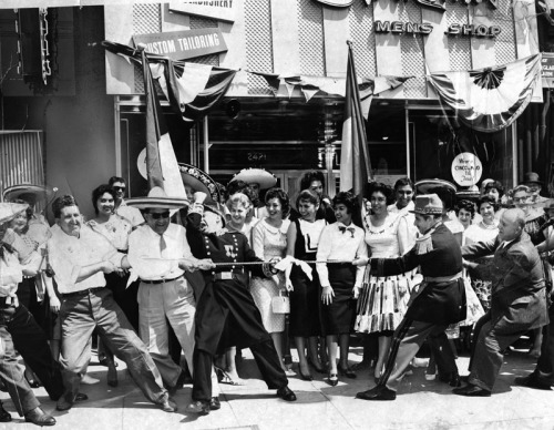 Cinco de Mayo celebrations in Los Angeles, May 5, 1960. The 1862 Battle of Puebla is recreated with a tug o' war. (Los Angeles Public Library)
