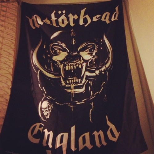 "Finally, this bedroom has been given the ""Joe"" treatment. #Motörhead #Lemmy #RockNRoll #InteriorDesign #FullMetalMerch  (at The Jizznasium)"