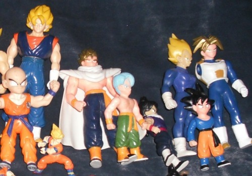 softroot:  uglydbzmerch:  Another assortment of high quality figures. Busty Vegeta is probably my favorite.  omfg look at vegeta's rack