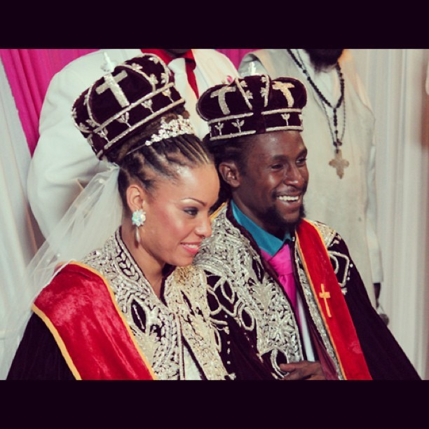 beautifulblackme:  Beautiful Black Love!! King & Queen Jah Cure #jahcure #beautifulblackme #tumblr #naturalcommunity #nubian #naturalwomen #dreadlocks #dreadhead #afrocentric #naturalhair #luvyourmane #beyou #teamnatural #naturalhairdaily #love #inspiration #Beautiful #follow #instagood #photooftheday #instamood #igdaily #fashion #friends #iphonesia #picoftheday #igers #easysquare  one of my weed dealers has to be his twin