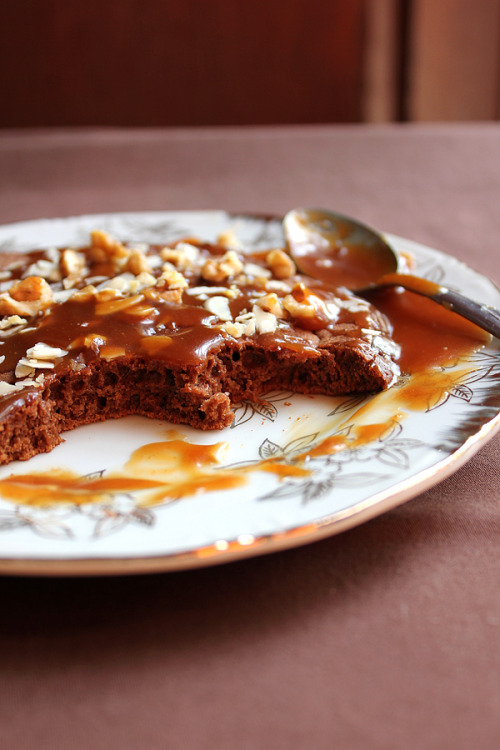 gastrogirl: Chocolate Pancake With Caramel Sauce