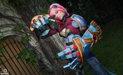 letsfeedtogether:  Vi Cosplay from League of Legends