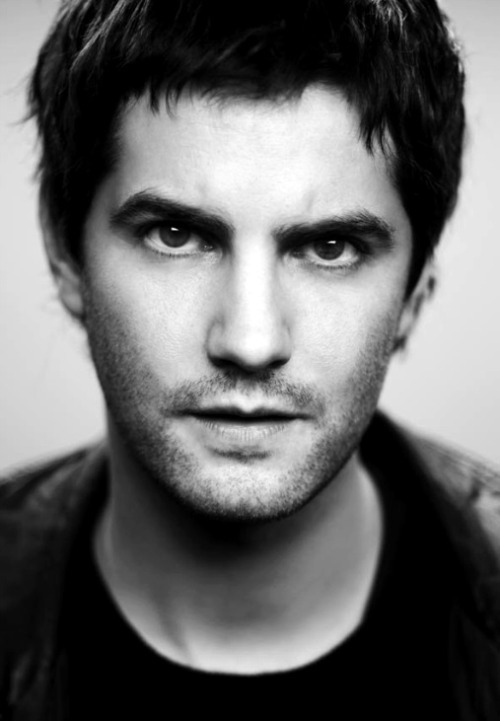 watchoutthescarecrow:  [44/50] Pictures of Jim Sturgess