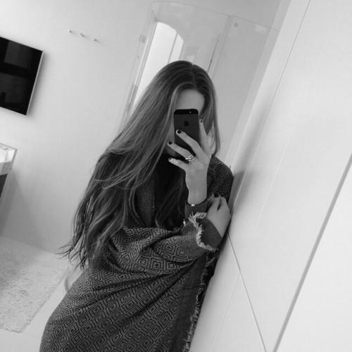 edit. iphone mirror selfie   Tumblr