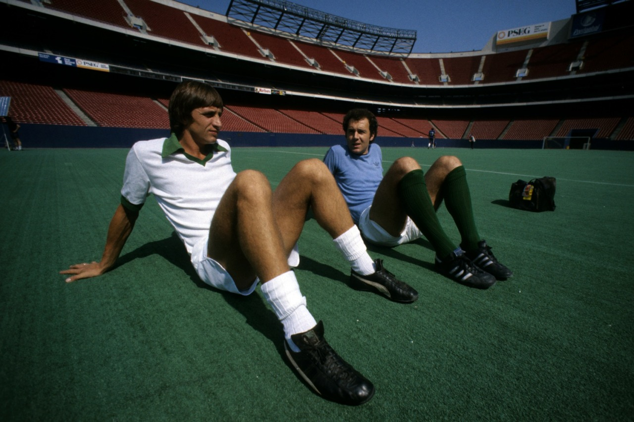 Cruyff and Beckenbauer training in Giants Stadium.