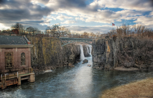 The Great Falls on Flickr.The Great Falls have been named a national park and the whole area is undergoing a type of renewal. Figured it was time to re visit this spot before it all changes. Plus it's nice to see how far my skills have come since I first shot it back in 2008