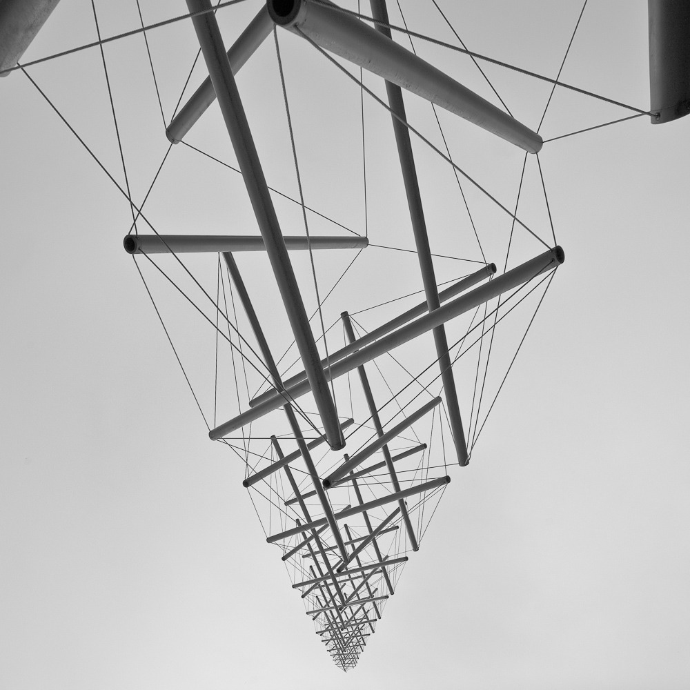 z-x-y:  'Needle Tower' no Museu Kröller-Müller, Otterlo, Holanda, by Pedro Kok