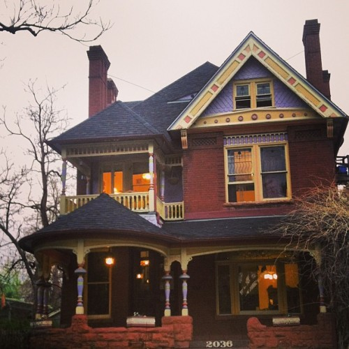 Another beauty in uptown. #oldvictorian #architecture #denver #stone #brick
