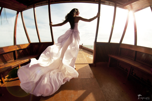 tropicpic:  Breeze symphony. Destination wedding photography by TropicPic on Maldives