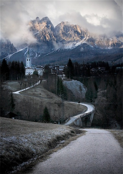 Mountain Village, Cortina d´Ampezzo, Italy photo via linda