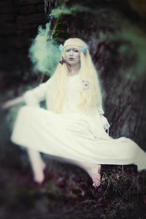 yukidoll:  Another small preview of yesterdays shoot Model - Myself Photo - ClickClickBang Photography Make-up - Jolene Smyth Fae wig from Geisha Wigs