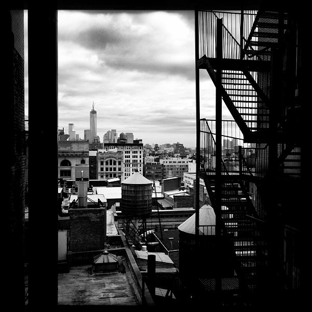 MTC View (iP5) #manhattan #architecture #skyline #nyc #instamood #filmnoir #sky #instagood #phototag_it  (at 1133 Broadway)