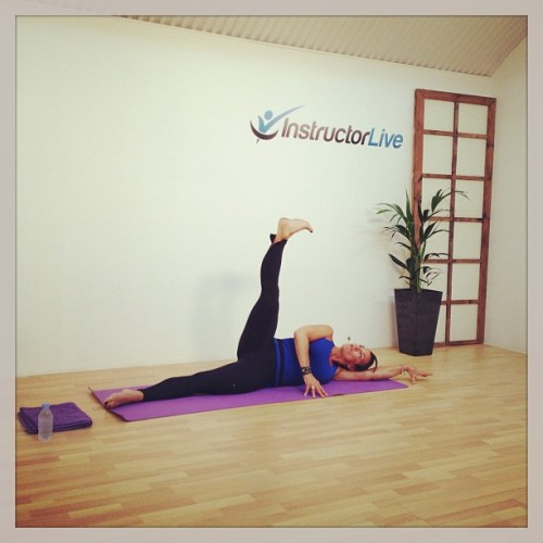 instructorlive:  #stretch and #sculpt #LIVE with Rebecca Horner. #yoga #pilates #fitness #workout #strength #muscle #tone #fitspo #flex #flexible #instafit #instafun #instadaily #instanation #instructorlive #burn #burnfat #burncalories #resistance #balance (at InstructorLive)