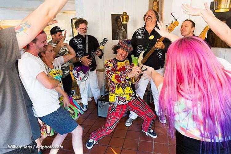 #nardwuar wrestling with leek? No, it is the filming of the new #evaporators video! (at Liberty Bakery LTD)