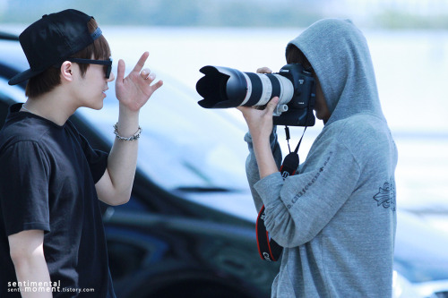ohmygyuyeol:  130517 Sunggyu & L @ Incheon Airport (cr. sentimental moment)Please do not edit/remove watermark