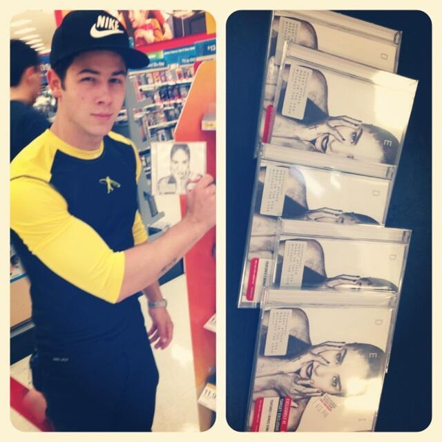 dlovato-news:  @ddlovato: Look at this guy… Said he bought every copy they had..!!! Love you @nickjonas, you are the best!!!! 😊
