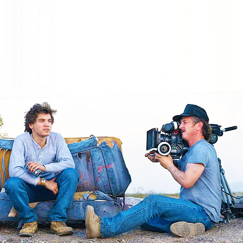 bigmeowski:  Emile Hirsch and Sean Penn filming for Into the Wild (2007)