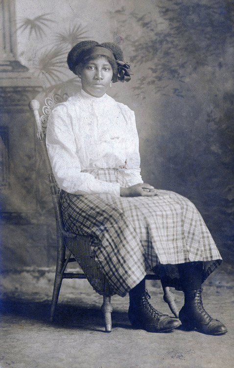 Sirlena Eakins September 18, 1913 She is 16 years, 8 months, 1 week and 3 days old. [Eakins Family Album] ©WaheedPhotoArchive, 2013