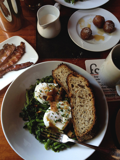 bkfst:  (via lingered upon: Brunch at Hearth)