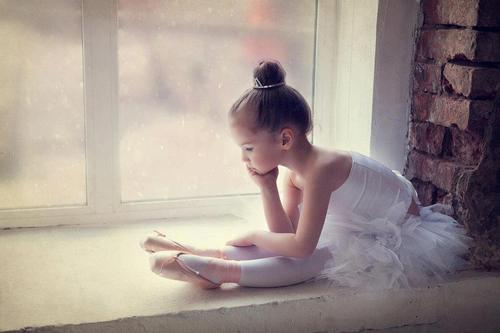 blogforbunheads:  adorable. ☻♥