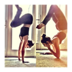 I love knowing that I am getting stronger in my #practice .. when #poses like these feel almost, effortless, and just require some concentration and deep breaths to sink into them. it's great, I love #yoga .. #yogapose #scorpion #handstand #upsidedown #flexible #strength #balance #backbend #inversion #yogi #girl #me #self