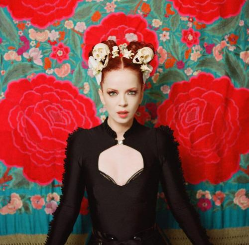 william-alejandro:  Con esta, les comparto a mi 3ª favorita, Shirley Manson (Garbage)
