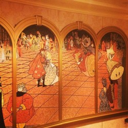 #waltdisneyworld #disney #disneycruise #disneyfantasy #cinderella mosaic in #royalcourt