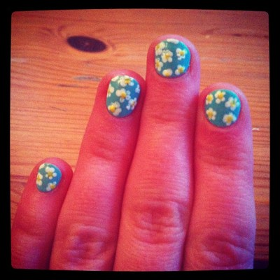Daisy nails #nailart