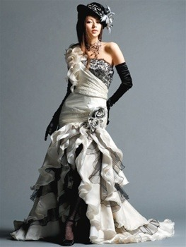 Gothic Wedding Dress from www.weddingdressfantasy.com
