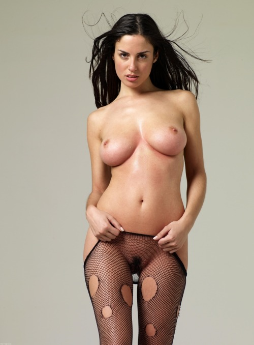 gentlybuilding:  sexyhotamazing:  http://sexyhotamazing.tumblr.com http://sexyhotamazing.tumblr.com/archive Follow like reblog  so sexy
