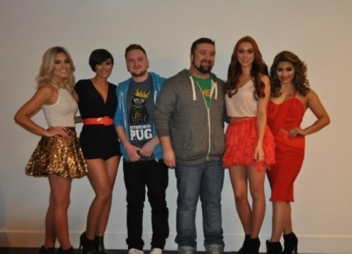 dizz83:  Me, Chris and the 4/5 of the Saturdays (Rochelle couldn't be there as she is heavily pregnant at the moment)  LOOK AT US.