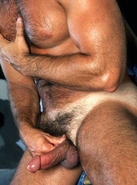 horny69-blog:ohh-daddy:Follow Oh Daddy! if you need/want more DILFs!Click here for ArchiveSubmit via tumblr or email: ohhsubmissions@gmail.com Only submit photos that you have permission fornicely daddies