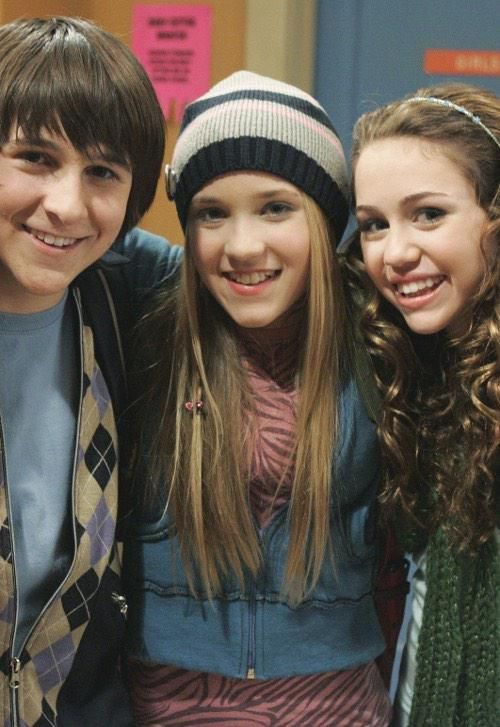 4 years ago today, the last episode of Hannah Montana was aired