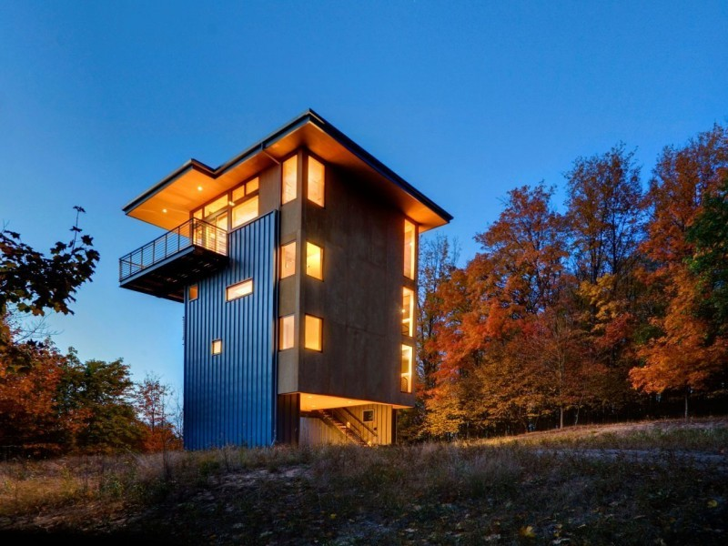 Glen Lake Tower by Balance Associates Architects Sophie, homedsgn.com This sustainable home is a 2011 project by Balance Associates Architects located in the state of Michigan, USA. Its height and cantilevered balconies allow the clients to better appreciate views of the surrounding landscape. Glen Lake Tower by…