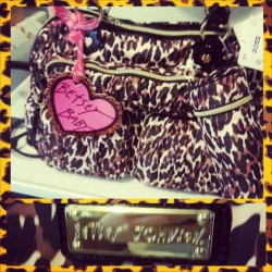 Madalyn's #baby bag! You know how I do. ;) #BetseyJohnson #cheetah #diaperbag