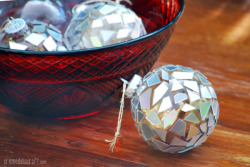 Check out the DIY Mosaic Ornaments by Creme de la Craft!  Image Credit: Creme de la Craft
