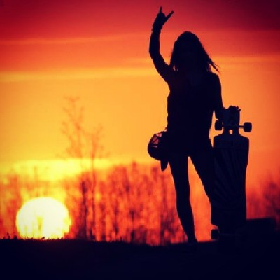 clauexo:  longboarding is a way to live