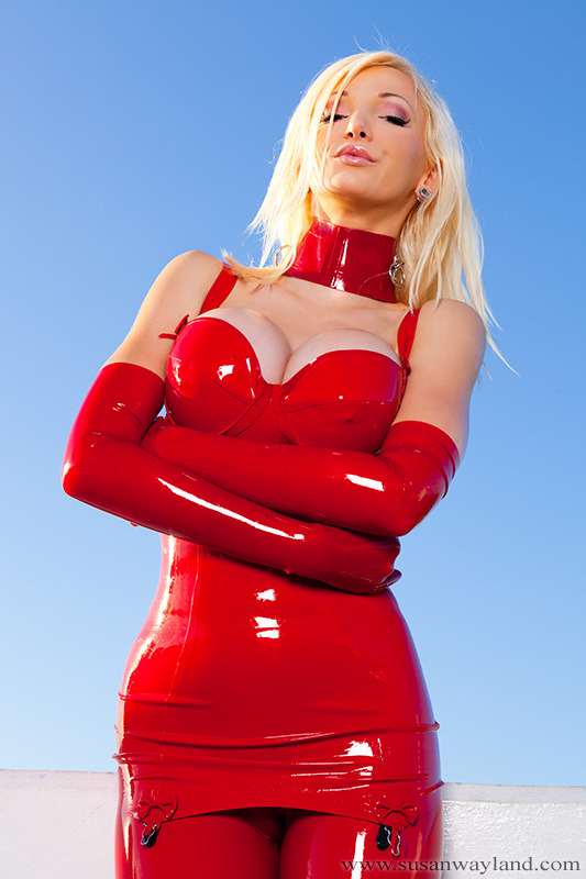 Susan Wayland in Desert Latex Starlet Full Gallery Here