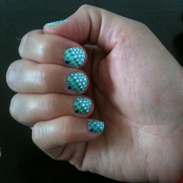 • SUMMER DOTS •  💅☀💅 #nailart #newdesing #nails #mydesing #dots #nailpolish #naildots #lovelynails