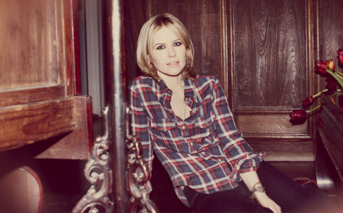 New Track: Dido – Let Us Move On (ft. Kendrick Lamar) Dido, who you may remember from having her track Thank You sampled by Eminem inStan is coming out with a new album in March. What better way to turn a few heads than to get possibly the hottest up-and-coming rapper on your song. Listen to her and Kendrick Lamar's Let Us Move On HERE