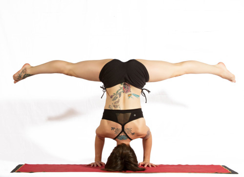 Follow Tumblr Gym: Yoga if you love yoga <3