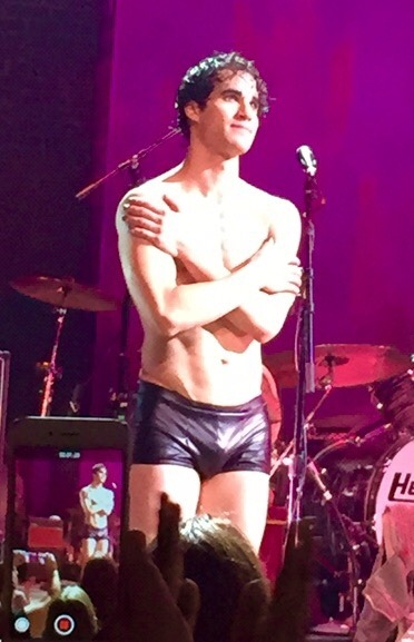 DarrenIsHedwig - Pics and gifs of Darren in Hedwig and the Angry Inch on Broadway. - Page 2 Tumblr_nrr8twj8u21qe40o1o1_400