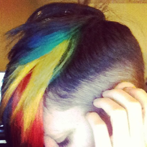 We did on both sides! #doublerainbow #whatdoesitmean #rainbowhair #gretavalenti  #wellhungheart #mohawk #undercut #futuristichair (at GROWvision Studios)