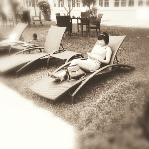 #Sundays are the best days to rest, relax and read a book.  Here's a #throwback of me in a #vintage #60s look. Monday marks another new week, new chapter. #nattiong  #GoodwoodParkhotel