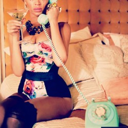 why dont you love me?? #beyonce #pinup #retro #vintage #cute #fashion #glamour #style #sexy #50s