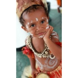 iwanregar:  #papua #kid #irian #indonesia #tribe #instagram_kid